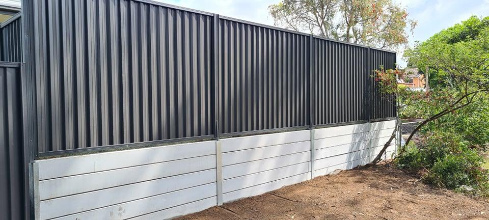 Concrete Smooth grey sleeper wall